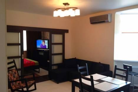 Сдается 1-комнатная квартира посуточно в Геленджике, ул. Грибоедова, 29.