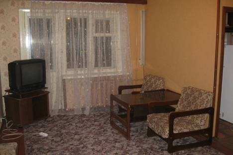 Сдается 2-комнатная квартира посуточнов Екатеринбурге, Космонавтов, 43.