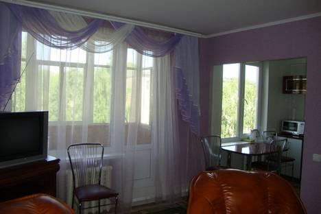 Сдается 3-комнатная квартира посуточно в Березниках, ул. Свердлова, 102.