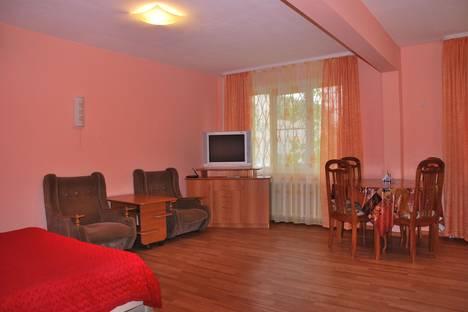 Сдается 1-комнатная квартира посуточно в Саянске, Солнечный, 2.