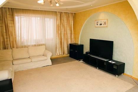 Сдается 3-комнатная квартира посуточнов Перми, Уинкая 6.