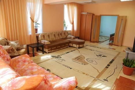 Сдается 3-комнатная квартира посуточно в Бийске, Красноармейская 81.