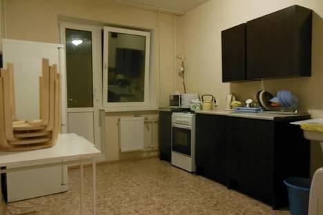 Сдается 3-комнатная квартира посуточно в Великом Новгороде, Б.СПетербургская 108 кор 7.