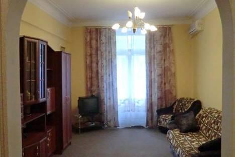 Сдается 2-комнатная квартира посуточно в Ульяновске, ул. Карла Маркса, 28.