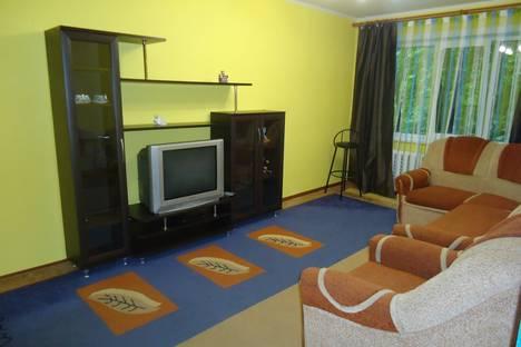 Сдается 1-комнатная квартира посуточнов Омске, ул. Лукашевича, 11.