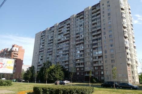 Сдается 1-комнатная квартира посуточнов Санкт-Петербурге, Комендантский проспект 37 к1.