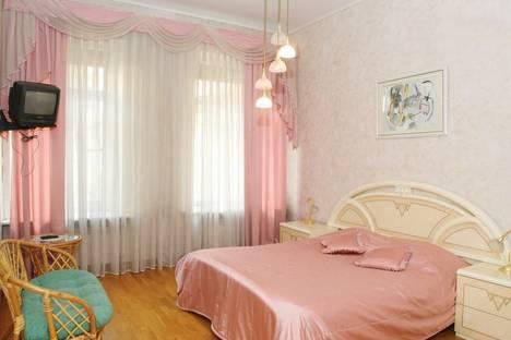 Сдается 2-комнатная квартира посуточнов Санкт-Петербурге, Набережная реки Мойки,  д. 27.