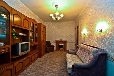 Сдается 2-комнатная квартира посуточнов Санкт-Петербурге, ул. Фрунзе, д. 16.