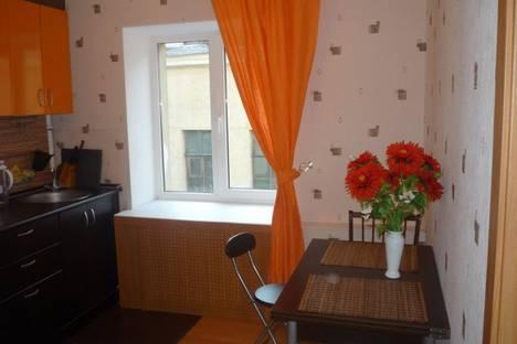 Сдается 3-комнатная квартира посуточнов Санкт-Петербурге, ул. Почтамтская, д. 20.