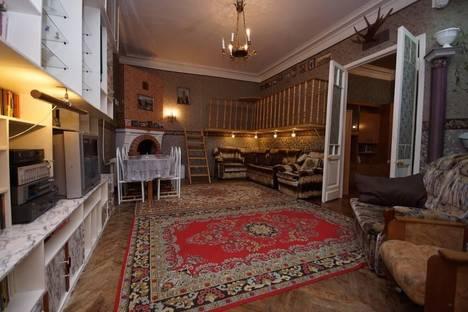 Сдается 3-комнатная квартира посуточнов Санкт-Петербурге, ул. Полозова 22.