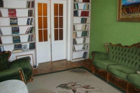 Сдается 3-комнатная квартира посуточнов Санкт-Петербурге, пр. Невский, 141.
