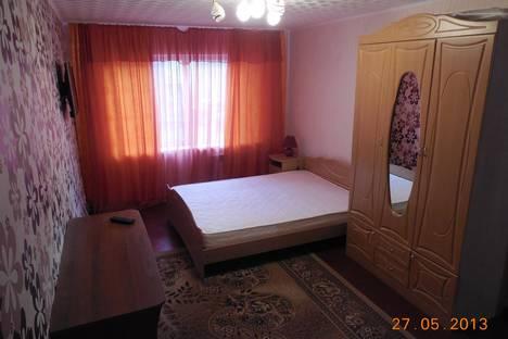 Сдается 1-комнатная квартира посуточно в Усть-Илимске, ул. Дружбы Народов , 26.