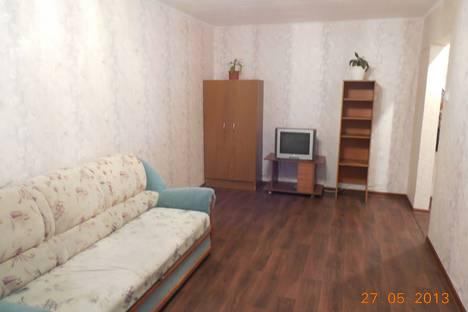 Сдается 1-комнатная квартира посуточно в Усть-Илимске, ул. Георгия Димитрова, 28.