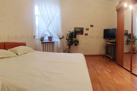 Сдается 2-комнатная квартира посуточнов Санкт-Петербурге, ул. Большая Монетная, 23.