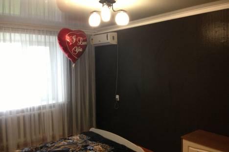 Сдается 2-комнатная квартира посуточно в Яровом, квартал А, 6.