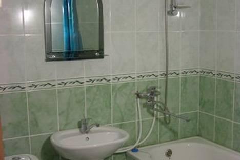 Сдается 2-комнатная квартира посуточно в Яровом, Квартал В, 9.