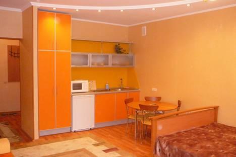 Сдается 1-комнатная квартира посуточнов Тюмени, ул. Максима Горького, 3к1.