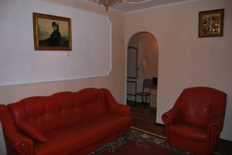 Сдается 2-комнатная квартира посуточнов Омске, ул. Декабристов, 106.