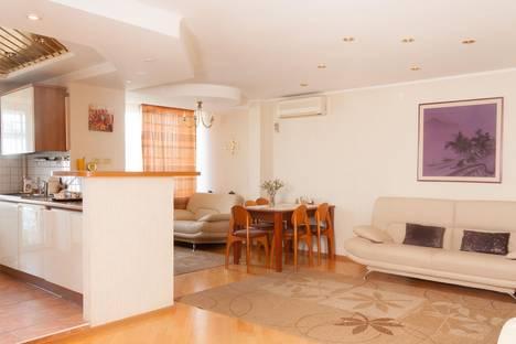 Сдается 3-комнатная квартира посуточнов Самаре, Самарская, 43.