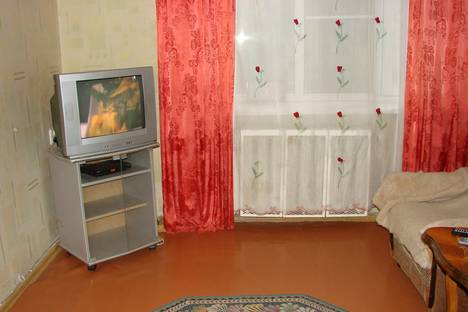 Сдается 2-комнатная квартира посуточно в Ейске, ул. Ленина, 20.