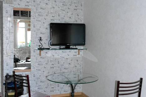 Сдается 1-комнатная квартира посуточно в Ессентуках, Курортная зона, ул. Ленина, 20.