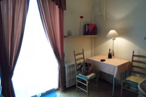Сдается 1-комнатная квартира посуточнов Санкт-Петербурге, Енотаевская ул., 10.