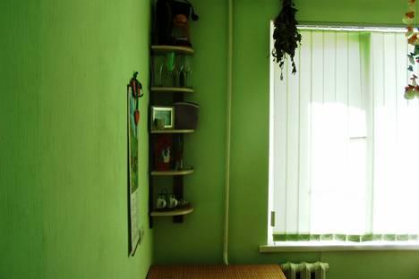 Сдается 2-комнатная квартира посуточно в Ейске, ул. Плеханова, 9/8.
