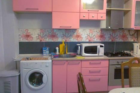 Сдается 3-комнатная квартира посуточнов Оренбурге, ул. Юных Ленинцев, 19.