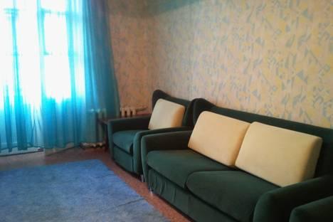 Сдается 3-комнатная квартира посуточно, проспект Карла Маркса, 12а.
