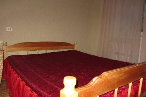 Сдается 3-комнатная квартира посуточнов Казани, Меридианная 11.