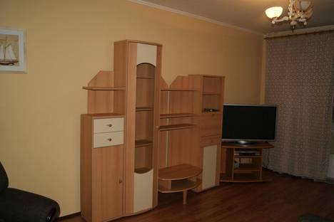Сдается 3-комнатная квартира посуточнов Зеленограде, ул. Кулакова, 10к1.