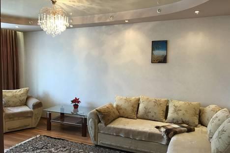Сдается 2-комнатная квартира посуточно в Белокурихе, ул. Советская 4.