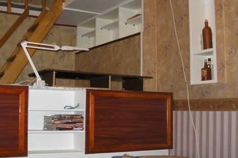 Сдается 3-комнатная квартира посуточнов Санкт-Петербурге, ул. Полозова, 22.