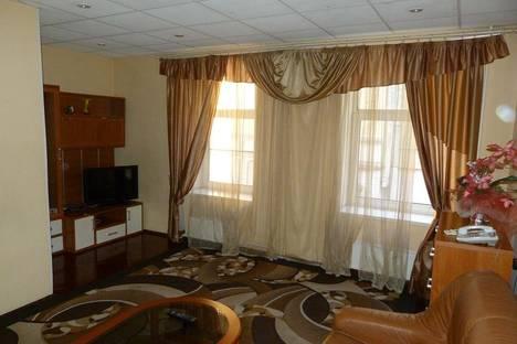 Сдается 3-комнатная квартира посуточнов Санкт-Петербурге, ул. Жуковского, 34.