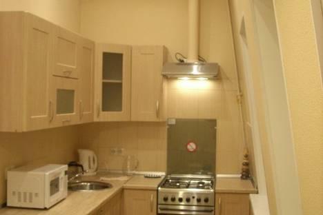 Сдается 1-комнатная квартира посуточнов Санкт-Петербурге, ул. Восстания, 47.