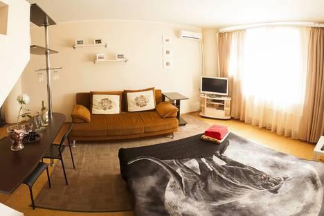 Сдается 1-комнатная квартира посуточнов Тюмени, ул. 50 лет ВЛКСМ, 13 кор. 2.