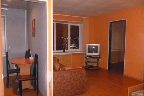 Сдается 2-комнатная квартира посуточнов Твери, ул Трехсвятская 28.