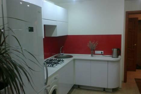 Сдается 1-комнатная квартира посуточно в Волжском, проспект им Оломоуцкая 16.