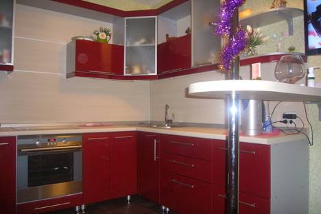 Сдается 1-комнатная квартира посуточно в Челябинске, ул. Цвиллинга, 88.