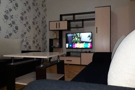 Сдается 2-комнатная квартира посуточно в Ижевске, ул. Красноармейская, 67.