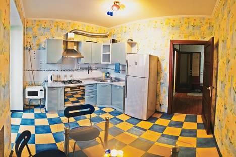 Сдается 1-комнатная квартира посуточно в Оренбурге, Ноябрьская 43/4.