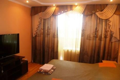 Сдается 2-комнатная квартира посуточно в Абакане, ул. Некрасова, 22а.