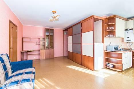 Сдается 2-комнатная квартира посуточнов Казани, ул. Товарищеская, 33.