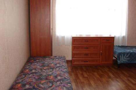 Сдается 2-комнатная квартира посуточно в Нижнем Тагиле, Ильича, 3А.