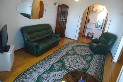 Сдается 2-комнатная квартира посуточнов Волгограде, Бакинская, 13.