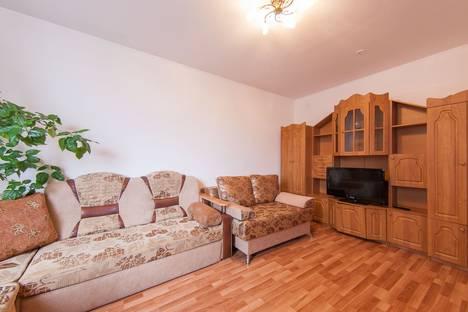 Сдается 2-комнатная квартира посуточнов Екатеринбурге, Бакинских Комиссаров, 97.