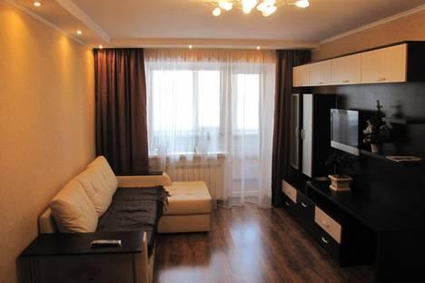 Сдается 3-комнатная квартира посуточно в Ханты-Мансийске, ул. Чехова, 45.