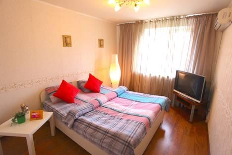 Сдается 2-комнатная квартира посуточно в Петрозаводске, ул. Шотмана, 60.