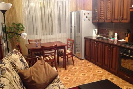 Сдается 2-комнатная квартира посуточно в Набережных Челнах, проспект Мира, 53.