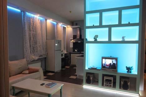 Сдается 2-комнатная квартира посуточнов Санкт-Петербурге, ул. Большая Зеленина, 13.